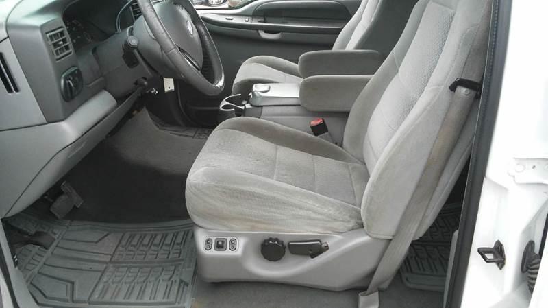 2003 Ford Excursion XLT 4dr SUV - Wayne MI