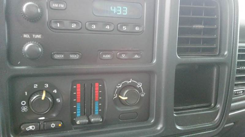2006 Chevrolet Silverado 1500 Work Truck 2dr Regular Cab 4WD 8 ft. LB - Wayne MI