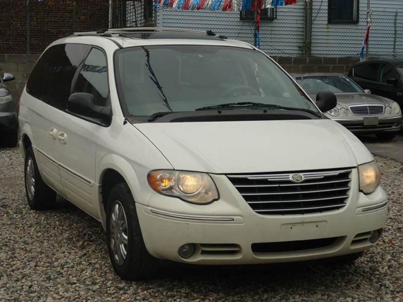 2006 chrysler town and country limited 4dr extended mini for Mount eden motors inc bronx ny