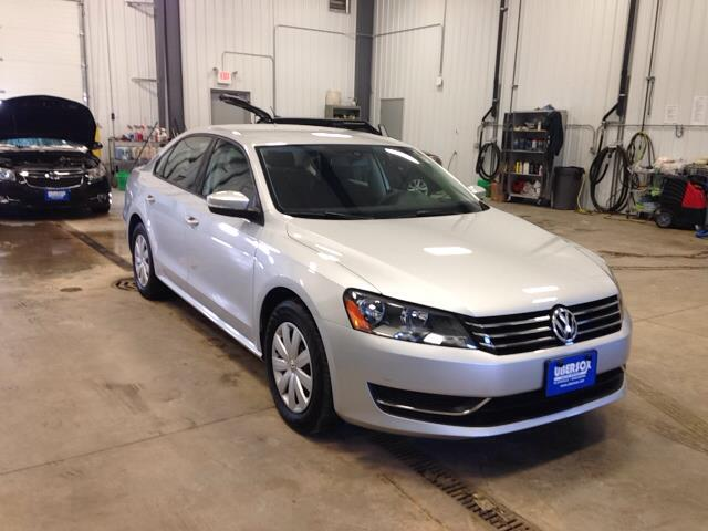 2013 Volkswagen Passat for sale in Darlington WI