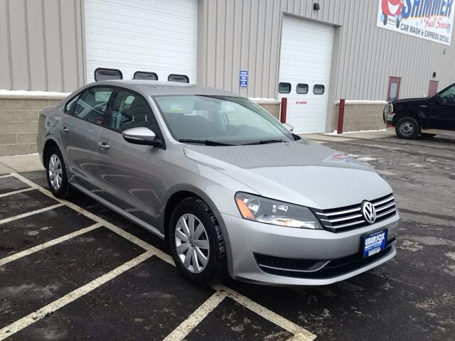 2012 Volkswagen Passat for sale in Darlington WI