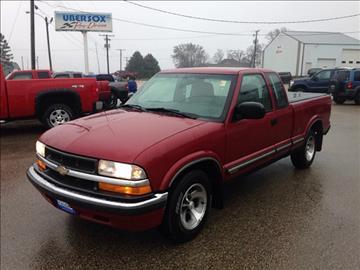 2000 Chevrolet S-10 for sale in Darlington, WI