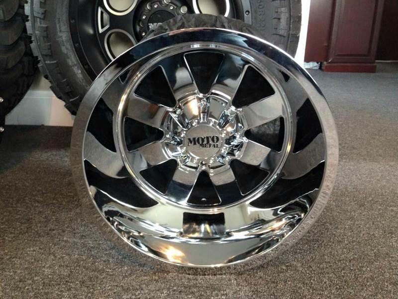 2015 Moto Metal 18x14