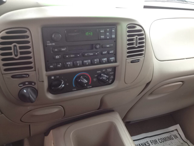 2002 Ford Expedition XLT 4WD 4dr SUV - Sherburne NY