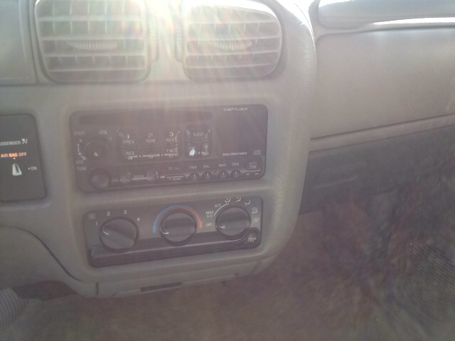 2001 Chevrolet S-10 2dr Extended Cab LS 2WD SB - Sherburne NY