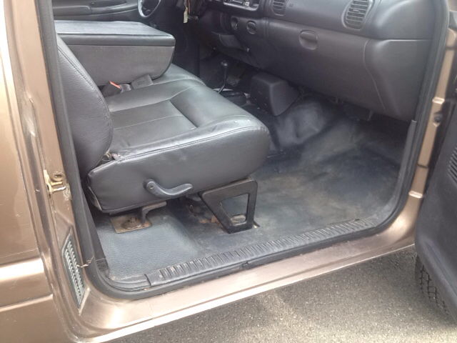 2001 Dodge Ram Pickup 2500 2dr Standard Cab ST 4WD LB - Sherburne NY