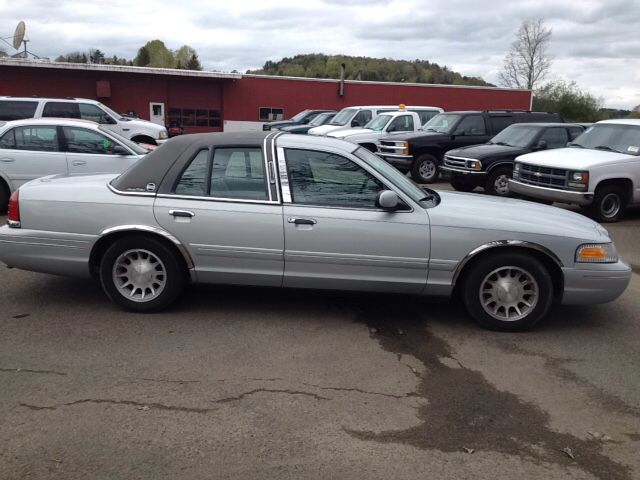 1999 Ford Crown Victoria LX 4dr Sedan - Sherburne NY