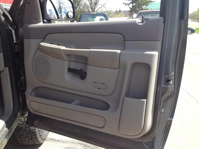 2004 Dodge Ram Pickup 2500 2dr Regular Cab SLT 4WD LB - Sherburne NY