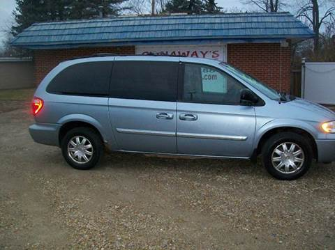 2005 Chrysler Town and Country for sale in Pataskala, OH