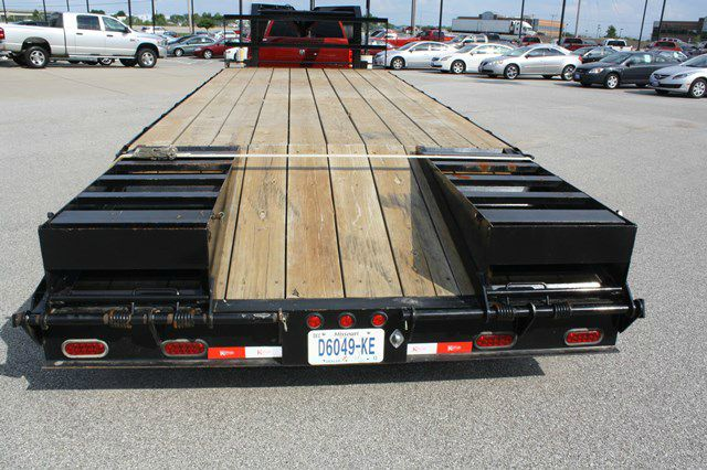 2012 Kaufman 17,000 GVWR / 24 ft. Heavy Duty Gooseneck Trailer