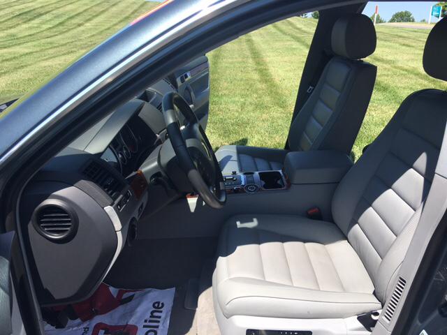 2007 Volkswagen Touareg V6 AWD 4dr SUV - Kansas City MO