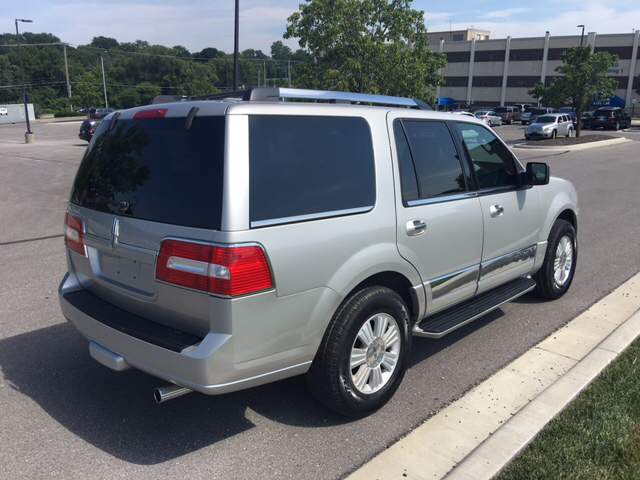 2007 Lincoln Navigator Luxury 4dr SUV 4WD - Kansas City MO