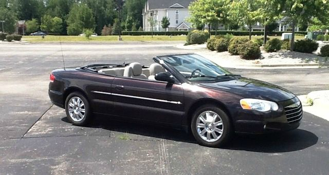 2004 Chrysler Sebring Limited Convertible - Fenton MI
