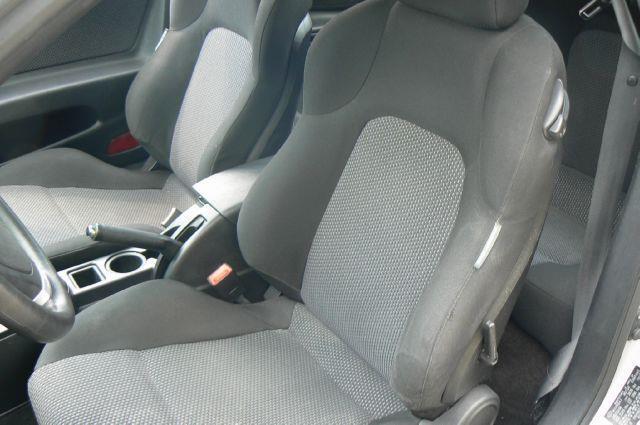 2004 Hyundai Tiburon Base 2dr Coupe - Fenton MI