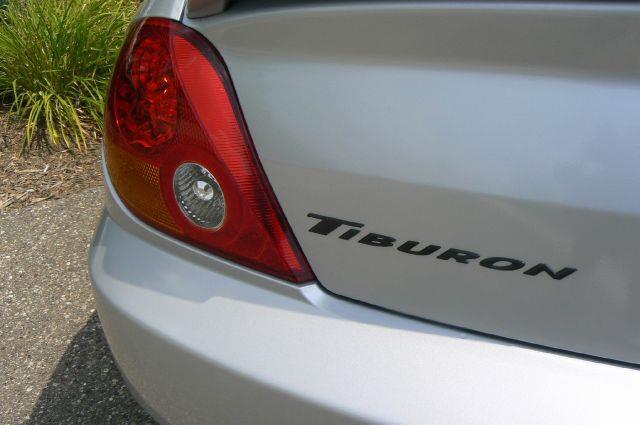 2004 Hyundai Tiburon  - Fenton MI