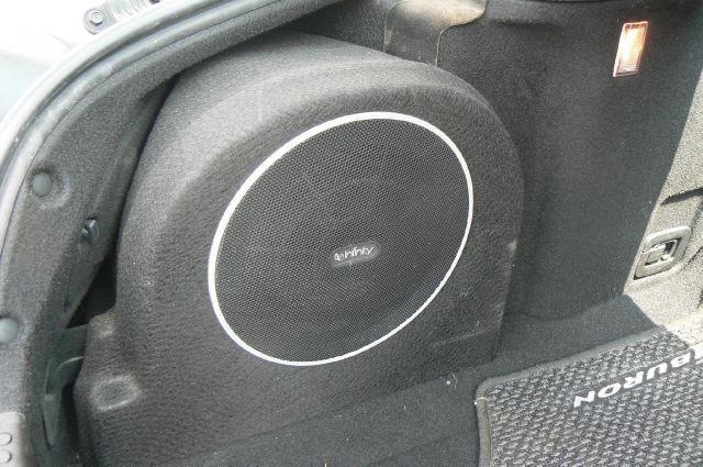 2004 Hyundai Tiburon Base - Fenton MI