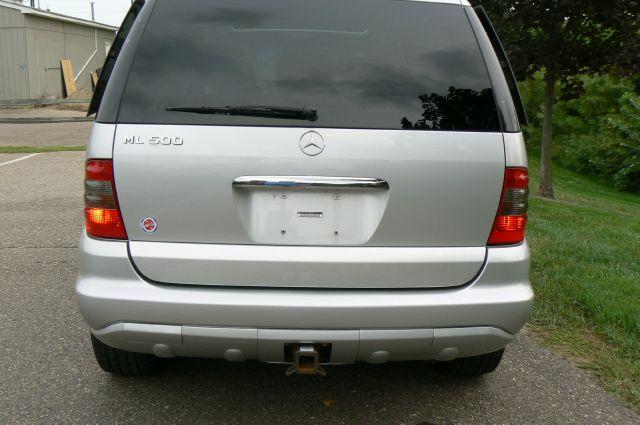2005 Mercedes-Benz M-Class ML500 - Fenton MI