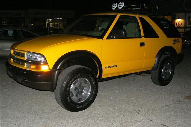 2002 Chevrolet Blazer LS 4WD 2dr SUV - Fenton MI