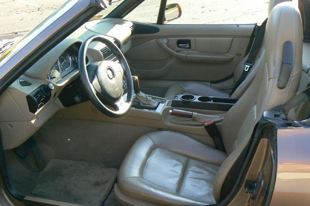 2001 BMW Z3 3.0i 2dr Roadster - Fenton MI