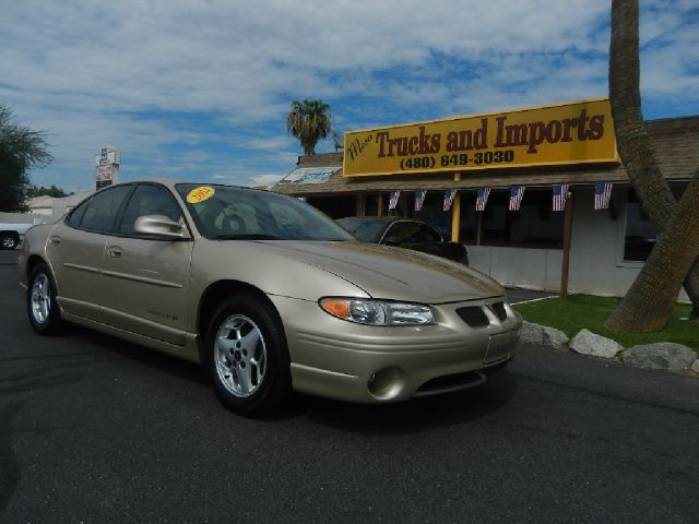 2002 PONTIAC GRAND PRIX GT gold one owner  29 mpg super first car excellent mpg commuter wwwt