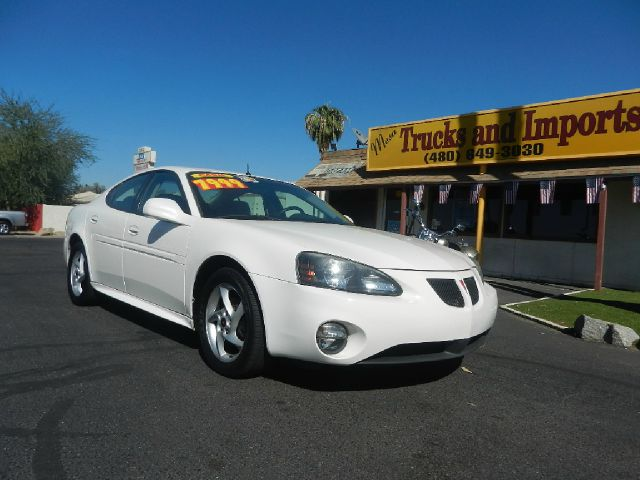 2004 PONTIAC GRAND PRIX GTP white supercharged clean carfax 28 mpg  fully loaded gtp model  su