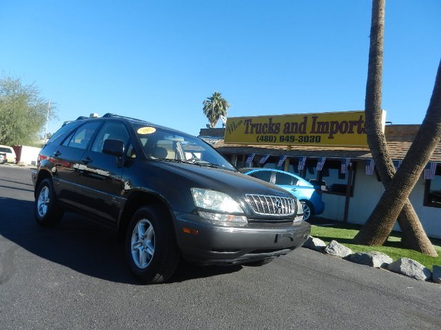 2002 LEXUS RX 300 4WD black one owner clean carfax side airbags for added safety excellent firs