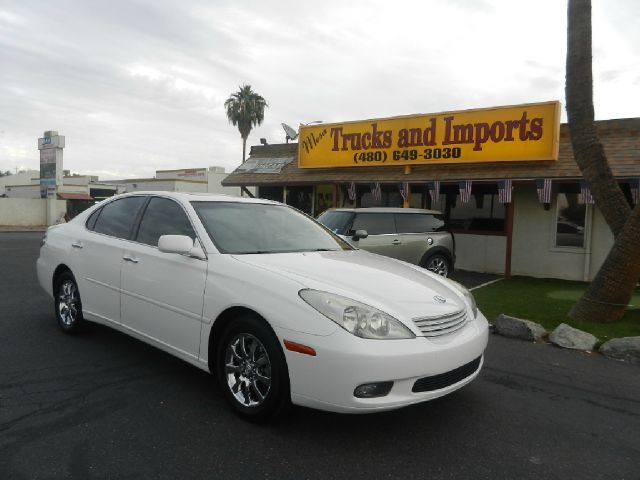 2004 LEXUS ES 330 SEDAN white 29 mpg clean carfax shows all service records lexus reliability an