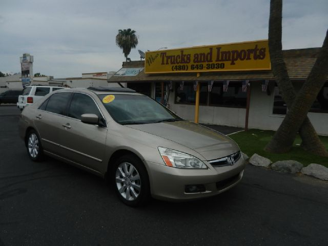 2006 HONDA ACCORD EX V-6 SEDAN AT W XM RADIO gold clean carfax shows detailed service records vt
