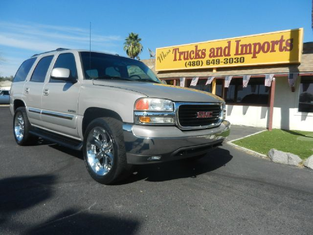 2005 GMC YUKON 4WD silver 4x4 clean carfax  quad seating leather plus third seat originally pu