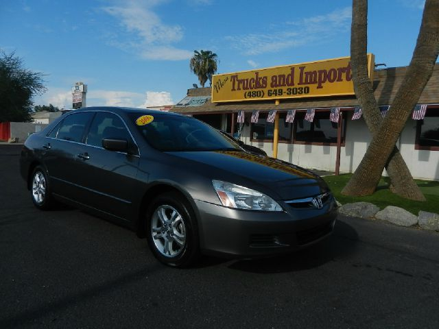 2006 HONDA ACCORD LX SEDAN AT gray 34 mpg  two accords in stock now fully loaded honda quality
