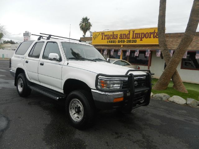 1994 TOYOTA 4RUNNER SR5 V6 2WD white 21 mpg originally purchased in ca clean carfax shows servic