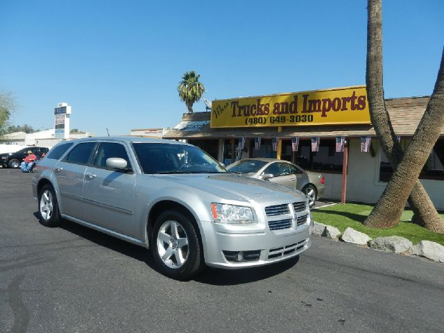 2008 DODGE MAGNUM SXT silver clean carfax  originally purchased in az fully loaded sxt model po