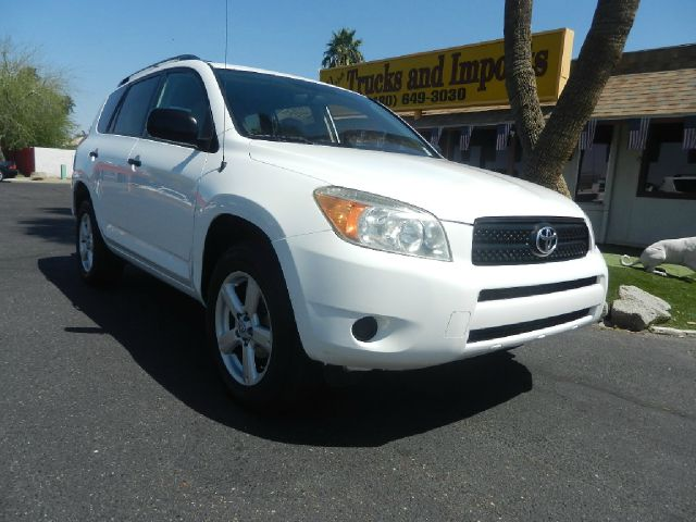 2006 TOYOTA RAV4 BASE I4 4WD white clean carfax shows service records  4x4 originally purchased