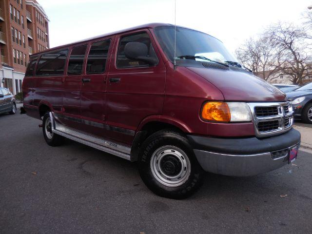 1999 Dodge Ram Wagon