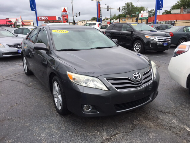 2010 Toyota Camry LE 4dr Sedan 6A - Chicago IL