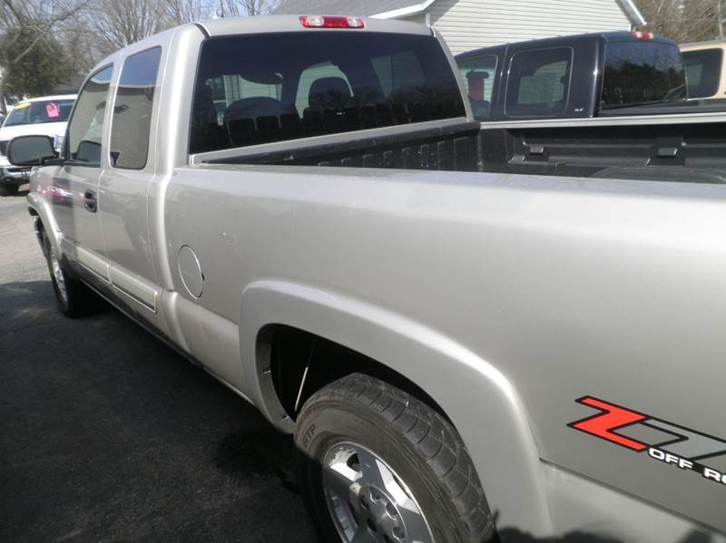 2006 Chevrolet Silverado 1500 LS 4dr Extended Cab 4WD 6.5 ft. SB - Springfield WI