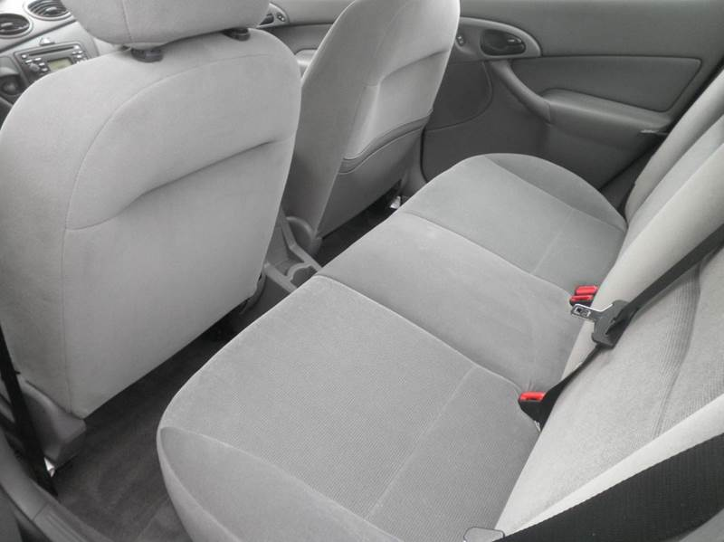 2002 Ford Focus SE Comfort 4dr Sedan w/Zetec - Springfield WI