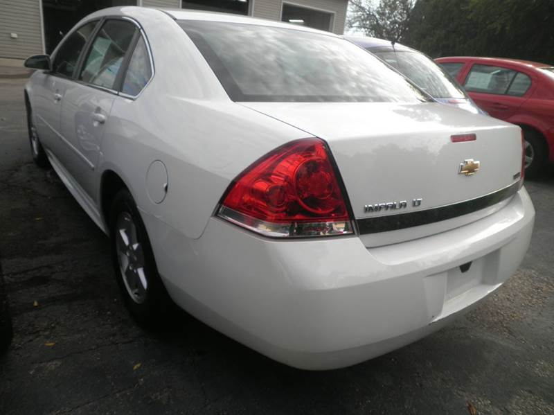 2010 Chevrolet Impala LT 4dr Sedan - Springfield WI