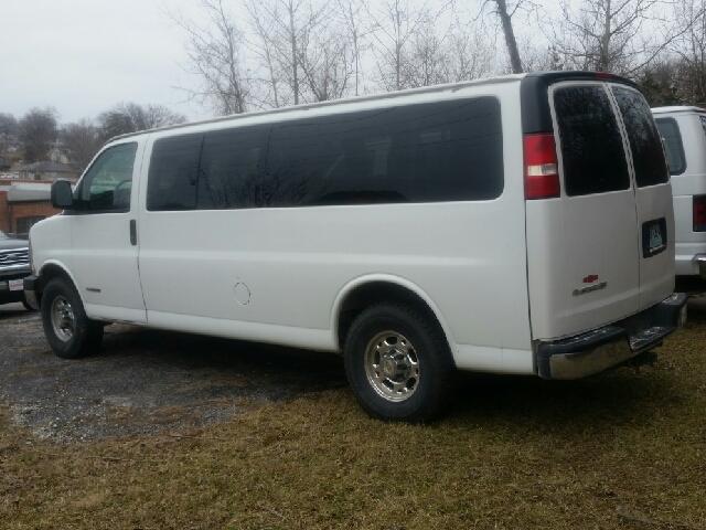 2004 Chevrolet Express Passenger 3500 3dr Extended Passenger Van - Boonville MO
