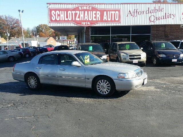 2004 Lincoln Town Car Signature 4dr Sedan - Boonville MO