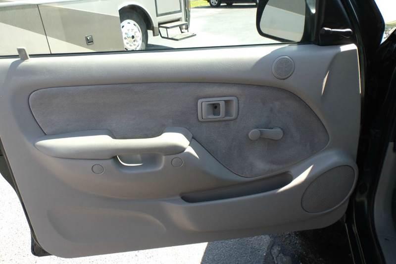 2004 Toyota Tacoma 2dr Xtracab V6 4WD SB - Chanute KS