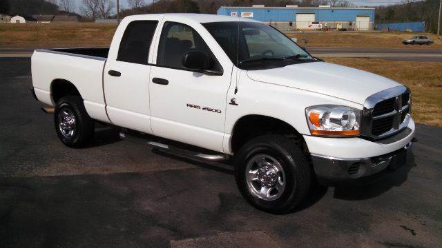 2006 dodge ram pickup 2500 slt 4dr quad cab 4wd sb in mascot corryton jefferson city city motors. Black Bedroom Furniture Sets. Home Design Ideas