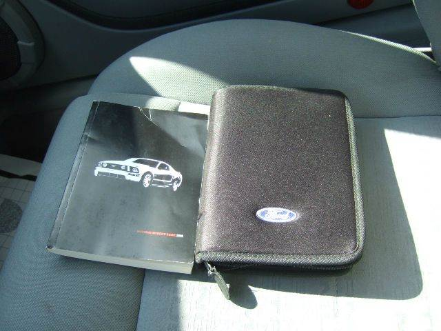 2008 Ford Mustang V6 Deluxe 2dr Coupe - Liberty Township OH