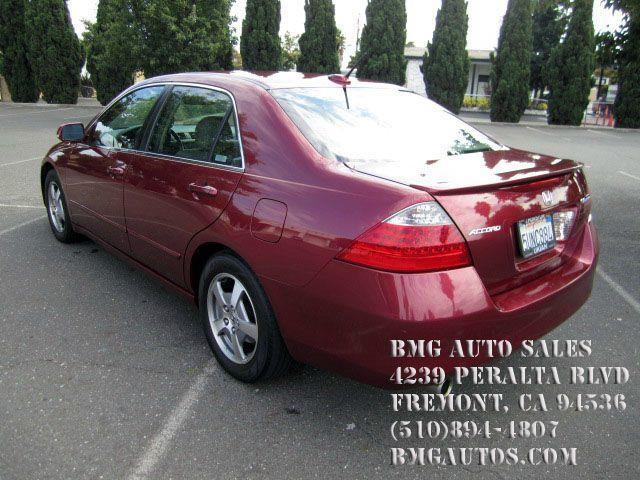 2006 Maroon Honda Accord 2006 Honda Accord Hybrid 4dr