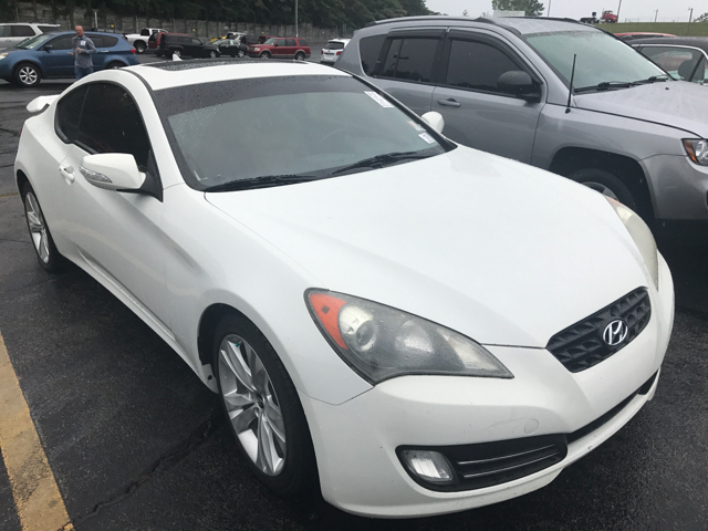 2010 Hyundai Genesis Coupe 3.8L Grand Touring 2dr Coupe - Clinton TN