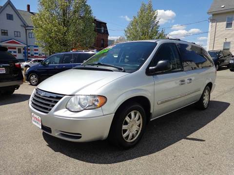 2006 Chrysler Town and Country for sale in Lawrence, MA