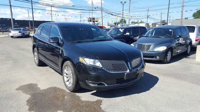 2013 Lincoln MKT Town Car