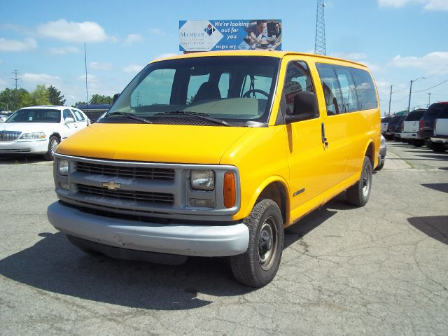 1999 Chevrolet Express for sale in Warren MI