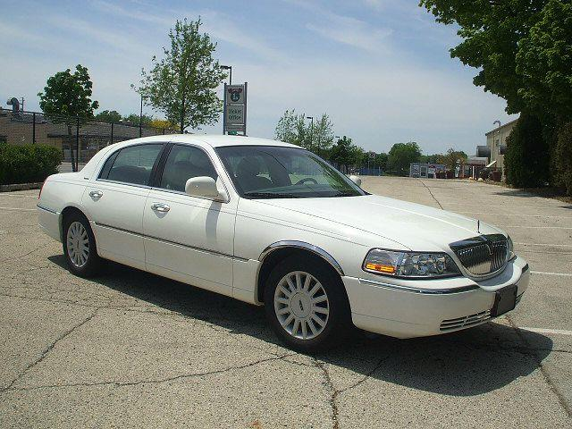 2004 Lincoln Town Car for sale in West Allis WI