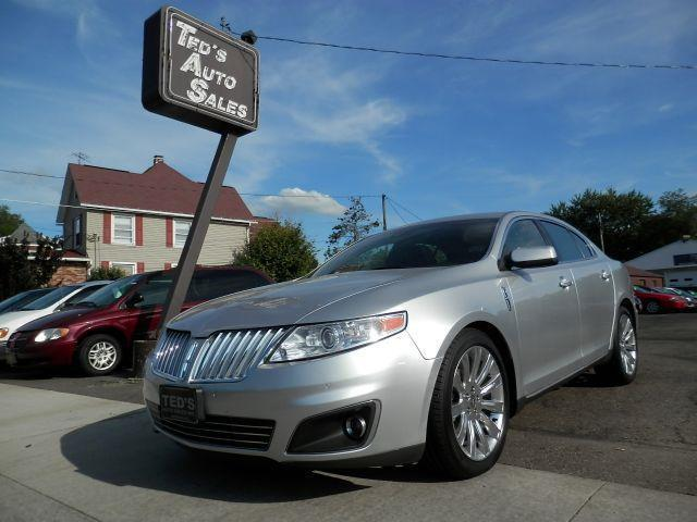 2010 Lincoln MKS for sale in Louisville OH